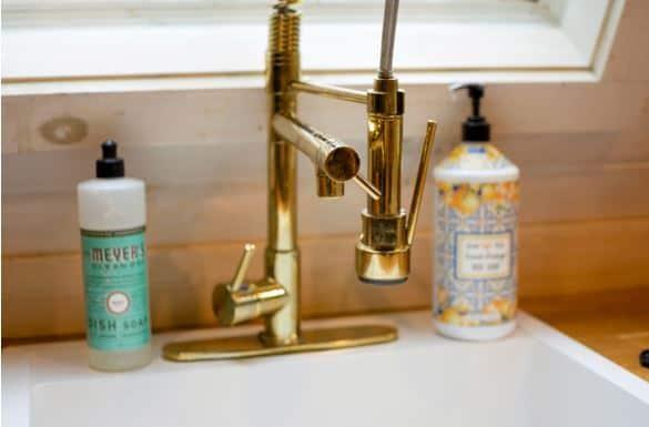 airbnb Andrea Davis