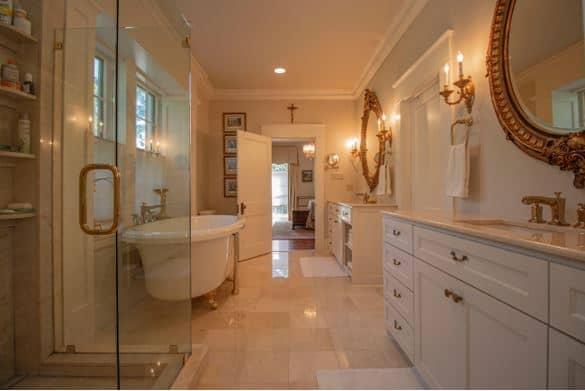 bathroom Ronnie George